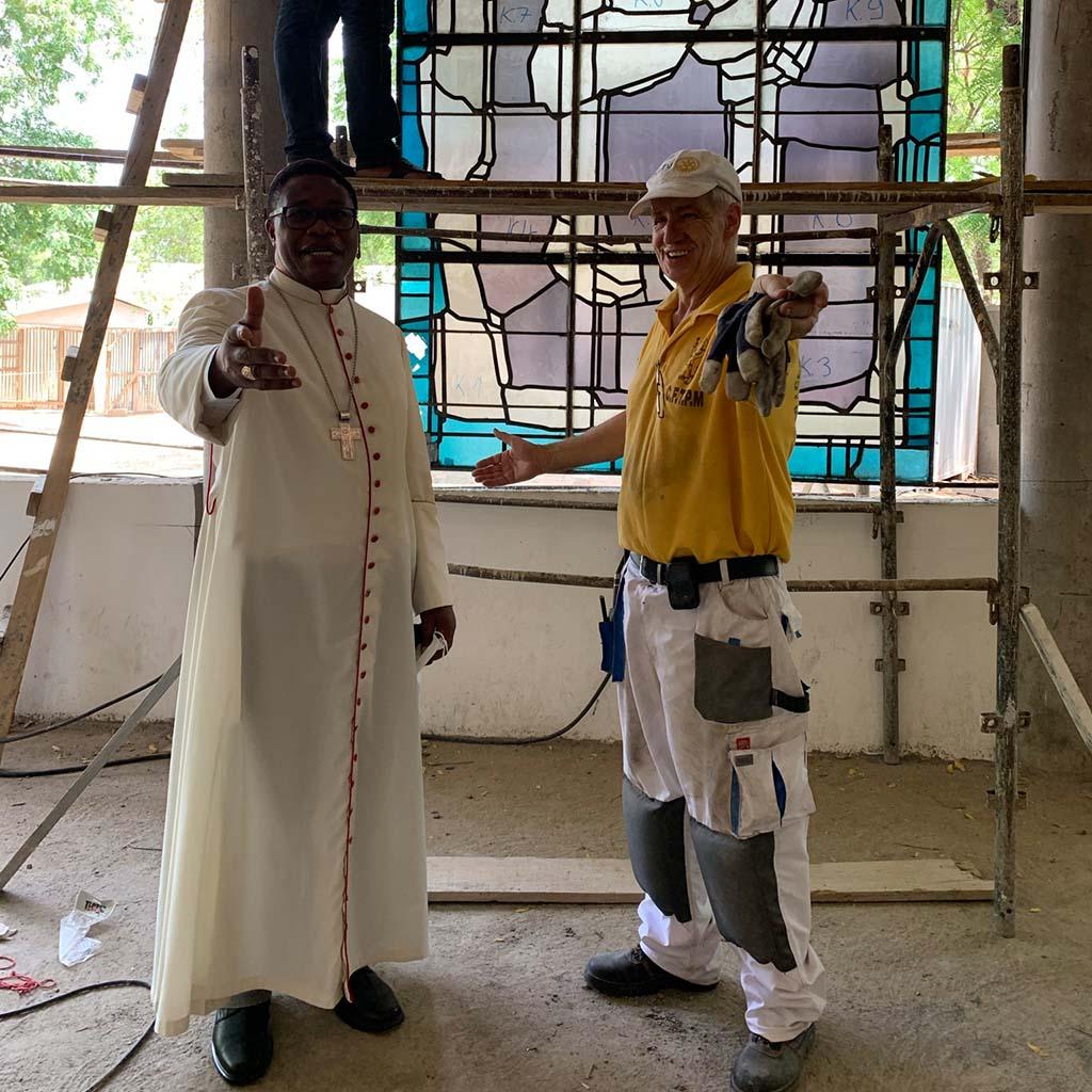 Fenster aus Bochum in der Kathedrale in Maroua in Kamerun